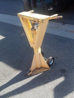 Semi Truck Trailer Jack 80.000 Pounds for Sale in Irvine,  CA