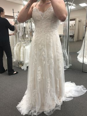 Melissa Sweet size 10 Unaltered Wedding Dress NWT for Sale in Rolla, MO