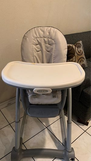 Baby's high chair for Sale in Rosemead, CA