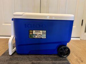 Igloo 38 Quart Wheelie Cooler for Sale in Clovis, CA
