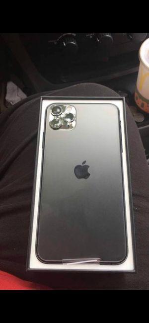 I phone 11 pro max Verizon for Sale in Trenton, NJ