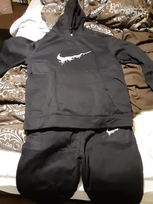 Nike Sweatsuit 3XL. But runs a size smaller for Sale in Jacksonville, AR