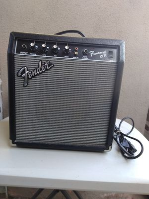 Fender Frontman 15B Bass Guitar AMP / In Great Working Condition & Great Cosmetic / PR497 / 38W for Sale in Fullerton, CA