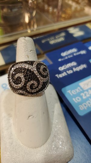 Fancy design ring with stones for Sale in Mayfield Heights, OH