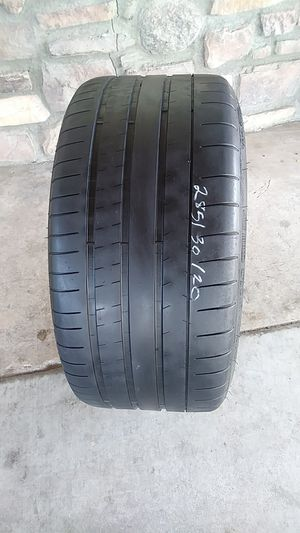 I HAVE A MICHLIN TIRE 285 30 20 for Sale in Phoenix, AZ