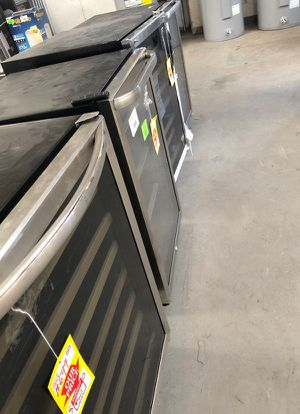 Mini fridges HMQ0C for Sale in Carrollton, TX