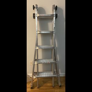Gorilla Ladders -22 ft. Reach MPX Multi position Ladder for Sale in Queens, NY
