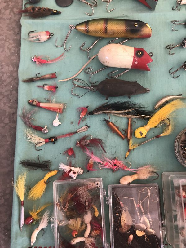 Vintage fishing lures lot plus tackle box with misc