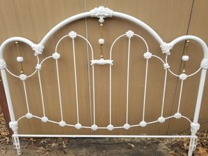 Antique bed for Sale in Redfield, AR