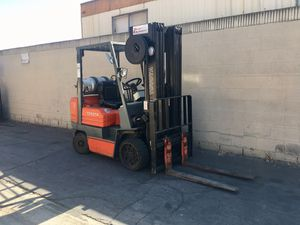 Quad Mast Forklift Toyota for Sale in Los Angeles, CA