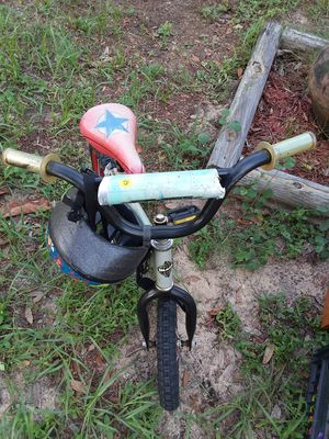 Kid's Bicycle & Helmet for Sale in Lake Wales, FL