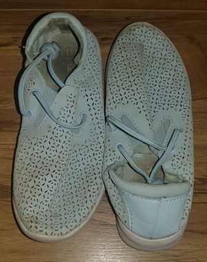 FREE GIRLS SHOES SIZE 11(YES,FREE) for Sale in Moreno Valley, CA