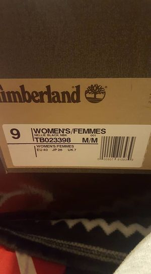 Woman's black timberlands for Sale in Pittsburgh, PA