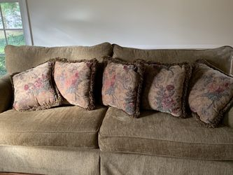 Matching Sofa And Love Seat for Sale in Orlando,  FL