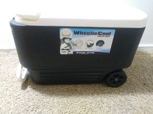 Wheelie Cool Cooler Igloo for Sale in Atlanta, GA