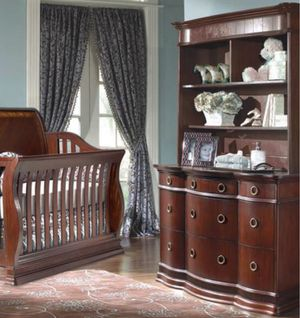 Munire Park Avene Collection Dresser with detachable hutch for Sale in OCEAN BRZ PK, FL