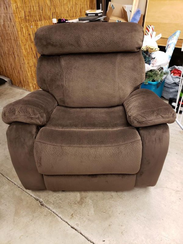 3-piece Reclining Sofa, Loveseat & Chair *Like New*