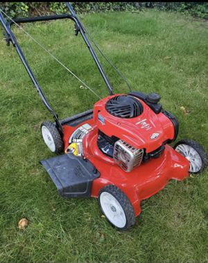 "Craftsman 20"" lawn mower (NO BAG; NOT SELF PROPELLED) for Sale in Temple Hills, MD"