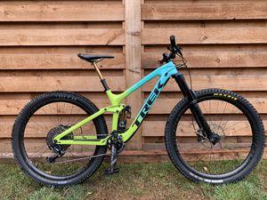 2019 Trek Slash 9.8 full carbon enduro bike with upgrades, medium (17.5 in) for Sale in Portland, OR