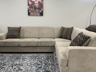 Light Grey Sleeper Sectional W/ Gel Topper for Sale in Fort Worth,  TX