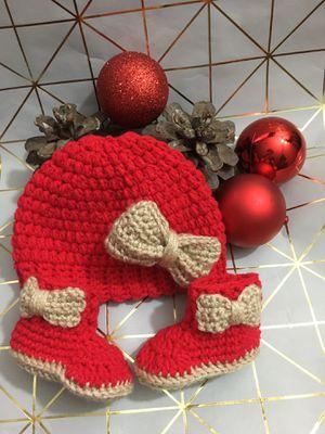 Hermoso set a crochet para bebita size 3-6 for Sale in Tulare, CA
