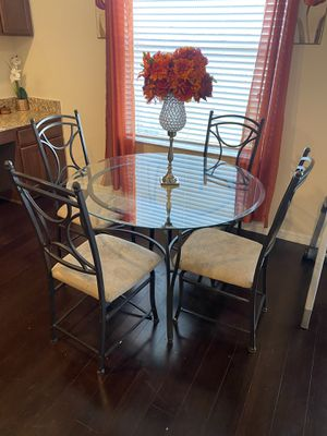Kitchen table & chairs for Sale in Ruskin, FL