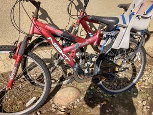 Mountain bike for Sale in Fowler, CA