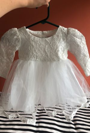 Adorable 1 to 2-year-old New without tags flower girl dress for Sale in Edgewood, WA