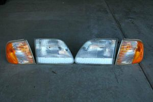 F150 Head lamp and Park lamp for Sale in Chula Vista, CA
