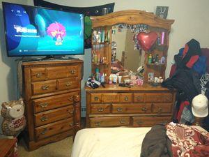 Bedroom set for Sale in Cleveland, OH