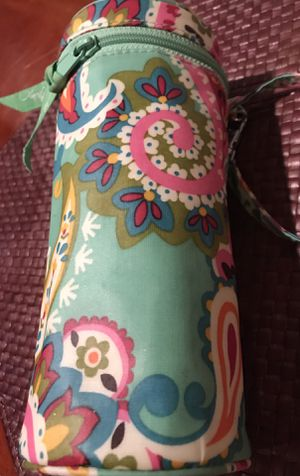 Authentic Vera Bradley multipurpose container. Insulated and cool inside. Bright white and clean inside. Used once. for Sale in Silver Spring, MD