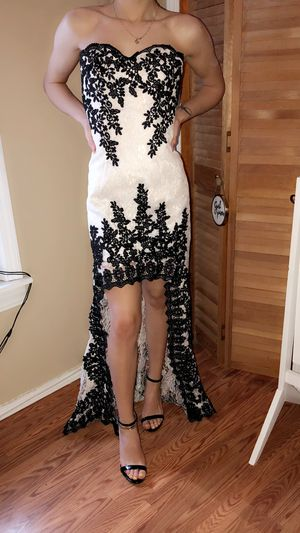Prom lace dress for Sale in Buffalo, NY