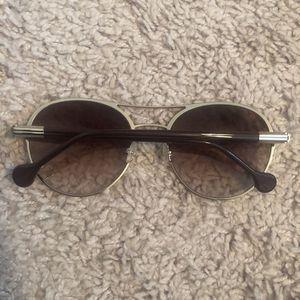 Salvatore Ferragamo Sunglasses. Unisex for Sale in Woodbridge, VA