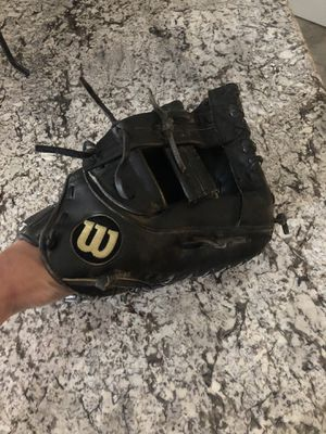 Wilson a2000 first vase mitt for Sale in Fontana, CA