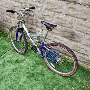 Mountain bike full suspension for Sale in Somerville, MA