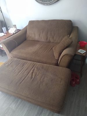 Love seat and foot rest for Sale in Tucson, AZ