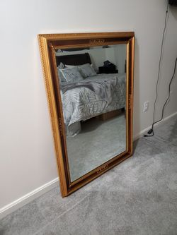 4x6 ft mirror in excellent conditions no chips or scratches absolutely wonderful wish I had the space to keep it. Pick up only cash app or cash only for Sale in Rockville,  MD