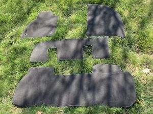 2018-19 Chevy Traverse / Enclave SUV 4 piece Charcoal Gray Carpet Kit OE Dealer GM parts - Brand New !!! for Sale in Plainfield, IL