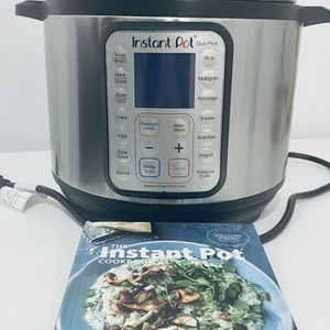InstaPot + Recipe book for Sale in Brooklyn, NY