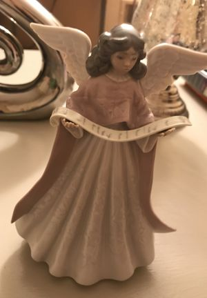 Lladro angel figurine for Sale in Chicago, IL