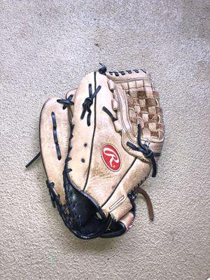 Baseball glove for Sale in Costa Mesa, CA