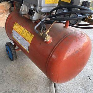 Air compressor 4hp 10gal for Sale in Battle Ground, WA
