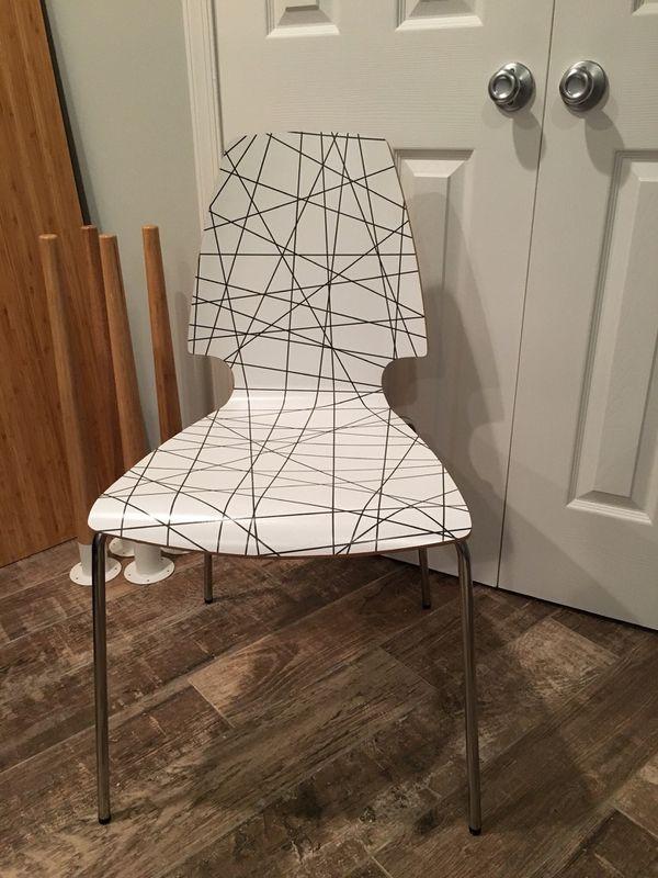 HILVER IKEA DESK w/ CHAIR