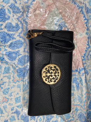 Black leather wristlet for Sale in Brooklyn, NY