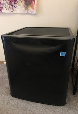 Danby mini fridge for Sale in Tukwila, WA