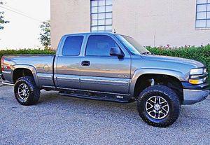 ֆ12OO 4WD Chevrolet SIlverado 4WD for Sale in Arlington Heights, IL