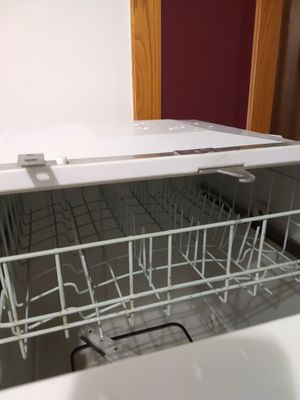 Free Dishwasher for Sale in Bloomington, MN