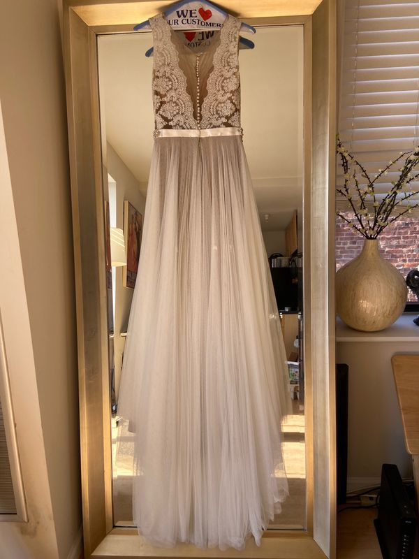 Gorgeous Watters wedding dress