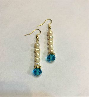 Bridal earring Natural fresh water Pearl Earring Bridal/wedding for Sale in Peoria, IL