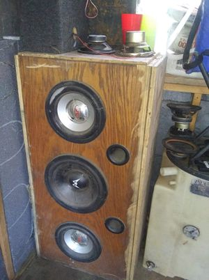 Wooden Speaker for Sale in Horn Lake, MS